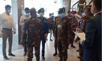 মেজর সিনহা হত্যা : কক্সবাজারে সেনা ওপুলিশ প্রধান