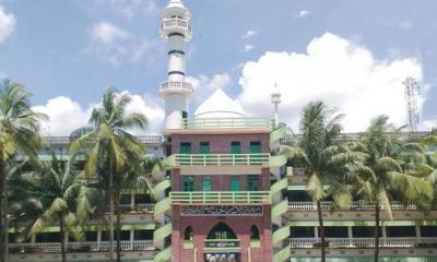 হাটহাজারী মাদ্রাসা বন্ধ ঘোষণা: প্রত্যাখান শিক্ষার্থীদের