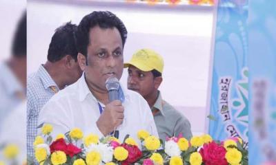 নোয়াখালীতে সড়ক দুর্ঘটনায় শিক্ষা অফিসার নিহত