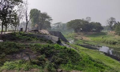 ভরাট চলছে বংশী নদী