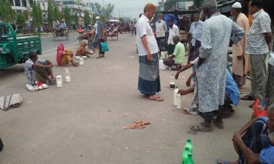 দুপচাঁচিয়ায় ঈদ কে ঘিরে উর্ধমুখি দুধের বাজার