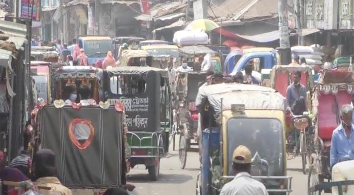রংপুর যানজট সামলাতে হিমশিম  পুলিশ